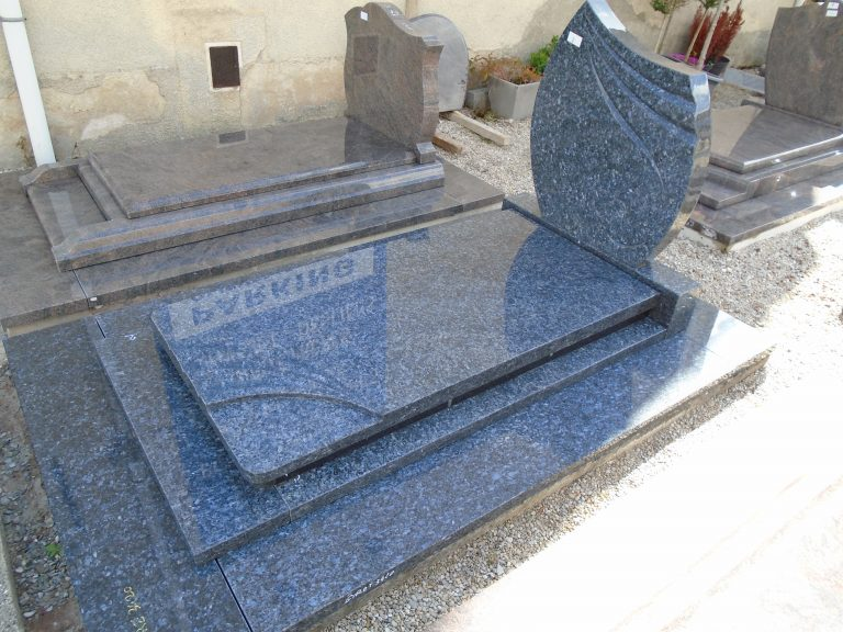 Read more about the article Monument Funéraire