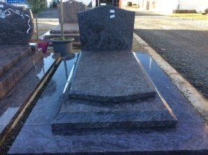 Monument funéraire marbrerie Girot à Romilly sur Seine dans l'Aube, 10